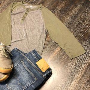 Men's size Large express quarter sleeve shirt only